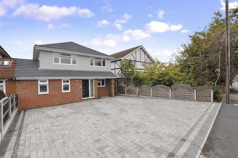 4 Bedrooms Detached House for sale in Kents Hill Road North, Benfleet