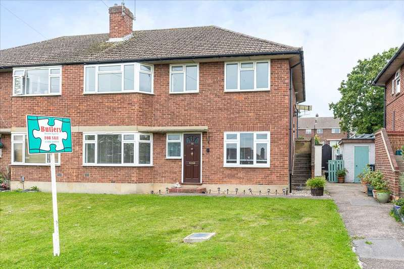 2 Bedrooms Maisonette Flat for sale in St Augustines Drive, Broxbourne