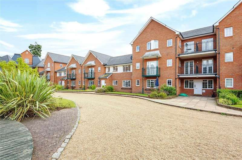 2 Bedrooms Flat for rent in Knights Place, St. Leonards Road, Windsor, Berkshire, SL4