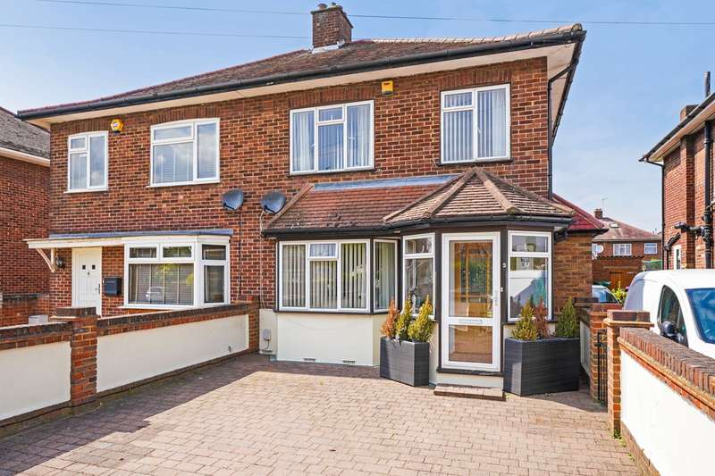 3 Bedrooms House for sale in Townson Avenue, Northolt, UB5