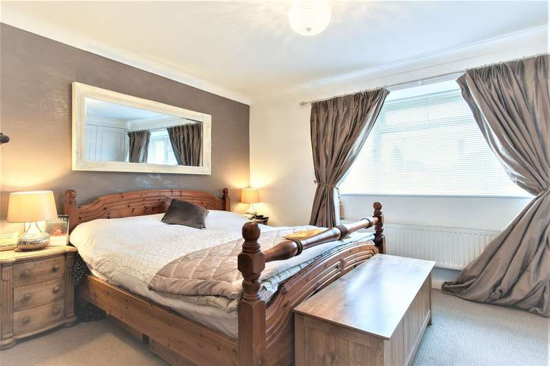 6 Bedrooms Detached House for sale in Sugden Road, Thames Ditton KT7