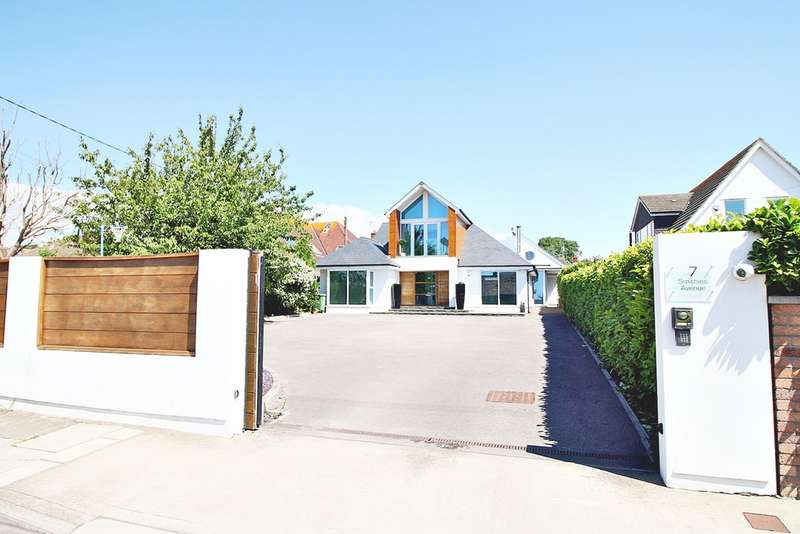5 Bedrooms Detached House for sale in Smithies Avenue, Sully CF64