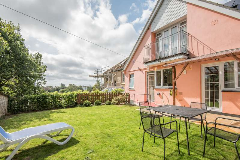 7 Bedrooms Detached House for sale in Woodlane Close, Falmouth TR11