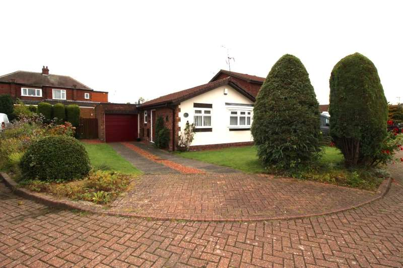 2 Bedrooms Detached Bungalow for sale in High Croft Close, Hebburn, NE31