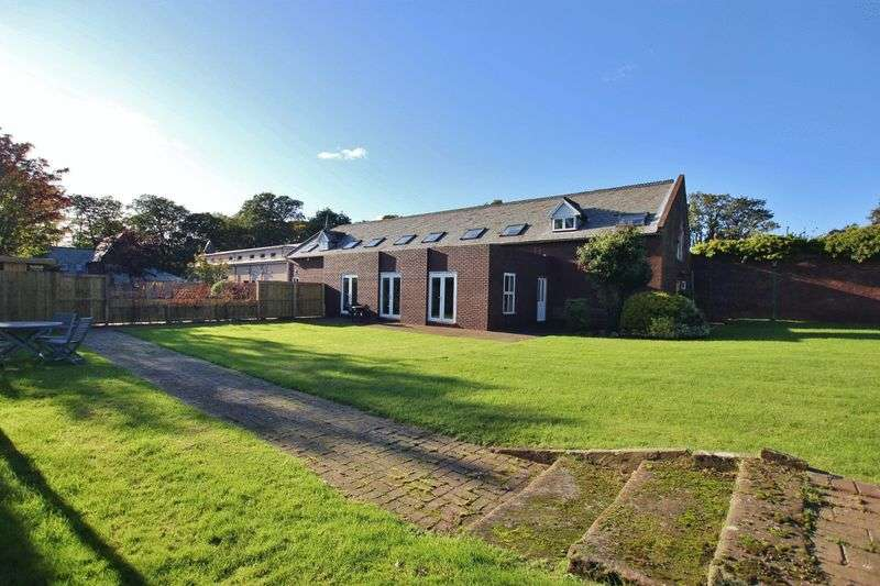 3 Bedrooms Property for sale in Hinderton Hall Estate, Chester High Road, Neston, Cheshire