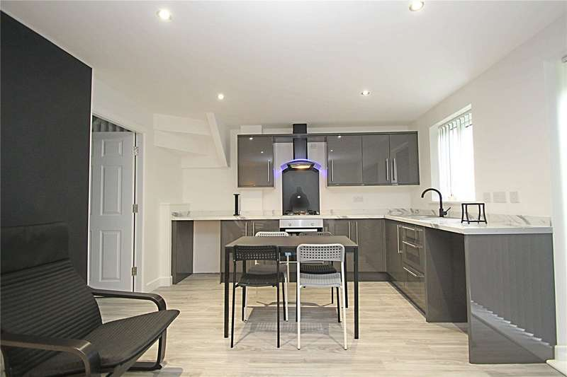 3 Bedrooms Property for sale in Northgate South Hiendley South Yorkshire