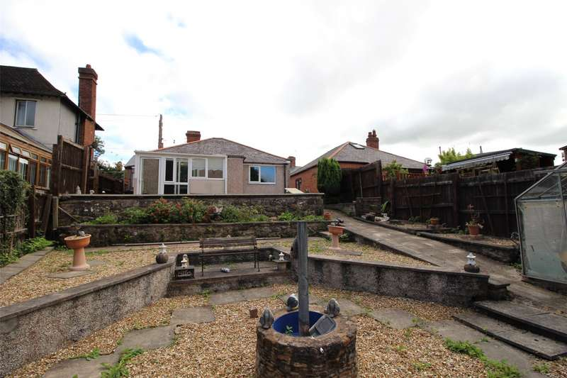 2 Bedrooms Bungalow for sale in Dolydd Road, Cefn Mawr, Wrexham