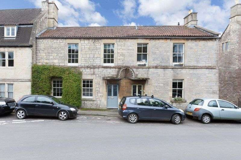 3 Bedrooms Property for sale in Market Place Colerne, Chippenham