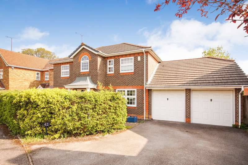 4 Bedrooms Detached House for sale in Conygree Close, Lower Earley, Reading, RG6