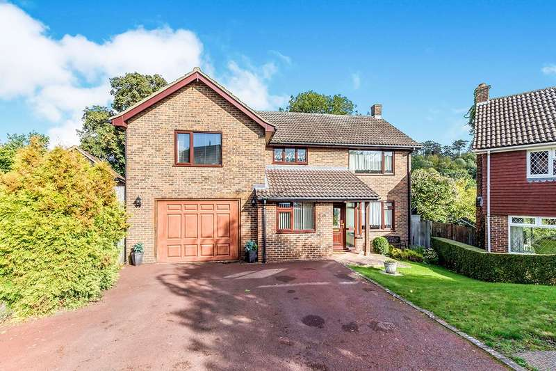 4 Bedrooms Detached House for sale in Woodlands, Chatham, Kent, ME5