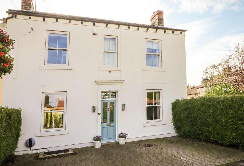 4 Bedrooms Detached House for sale in Blacker Lane, Crigglestone, Wakefield