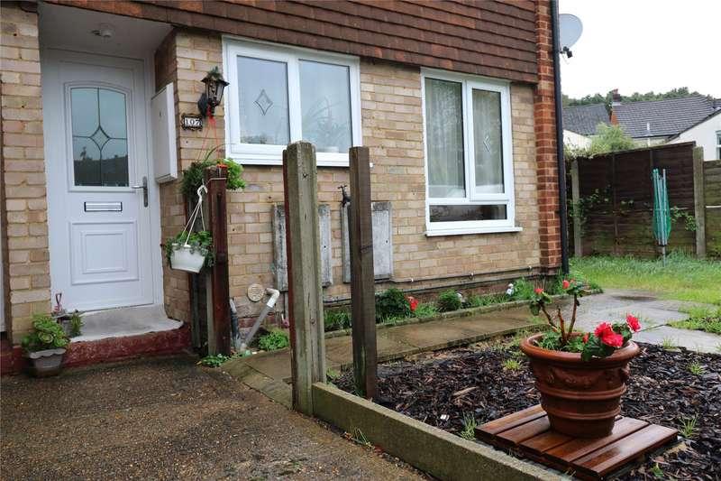 2 Bedrooms Maisonette Flat for sale in Cambridge Road, Aldershot, Hampshire, GU11