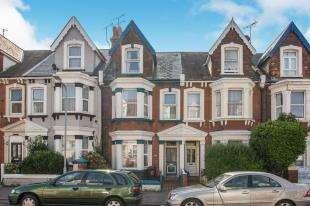 6 Bedrooms Terraced House for sale in Hatfeild Road, Margate, Kent, .