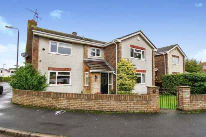 4 Bedrooms Detached House for sale in Prospect Close, Easter Compton, Bristol