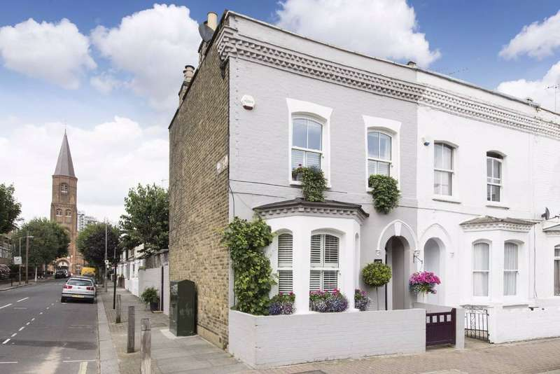 3 Bedrooms House for sale in Shuttleworth Road, Battersea, London, SW11