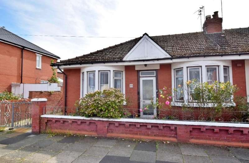 2 Bedrooms Semi Detached Bungalow for sale in Caledonian Avenue, Blackpool