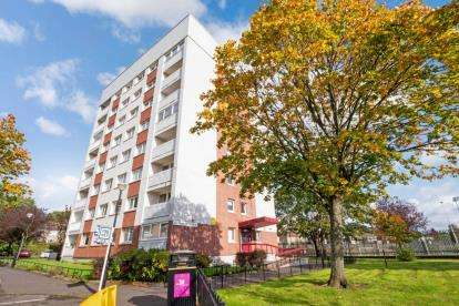 2 Bedrooms Flat for sale in Northland Drive, Scotstoun