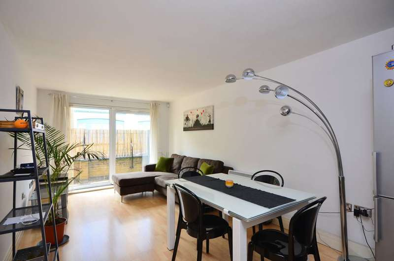2 Bedrooms Flat for rent in Stanton House, Rotherhithe, SE16