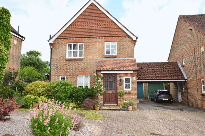 3 Bedrooms Property for sale in The Old Orchard, South Warnborough, near Odiham