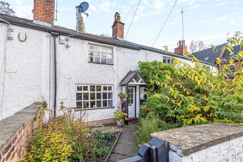 2 Bedrooms Terraced House for sale in The Crescent, Worsley, Manchester, M28 2WY