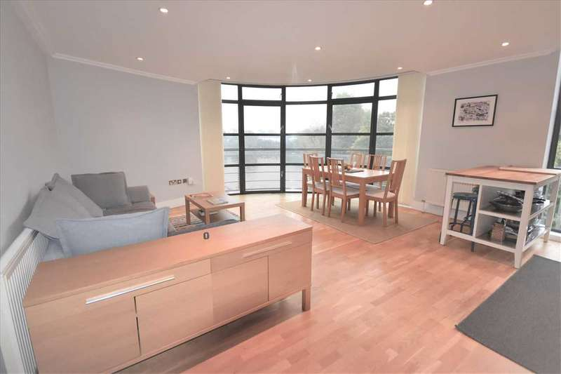 2 Bedrooms Flat for sale in Point Wharf, Brentford