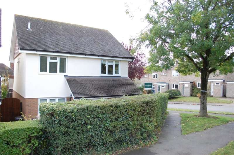 4 Bedrooms Detached House for sale in Wilga Road, Welwyn