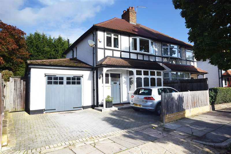 3 Bedrooms Semi Detached House for sale in Chudleigh Road, Twickenham
