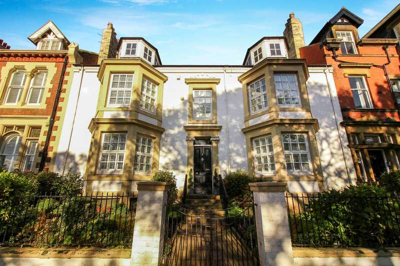 6 Bedrooms Town House for sale in Front Street, Tynemouth