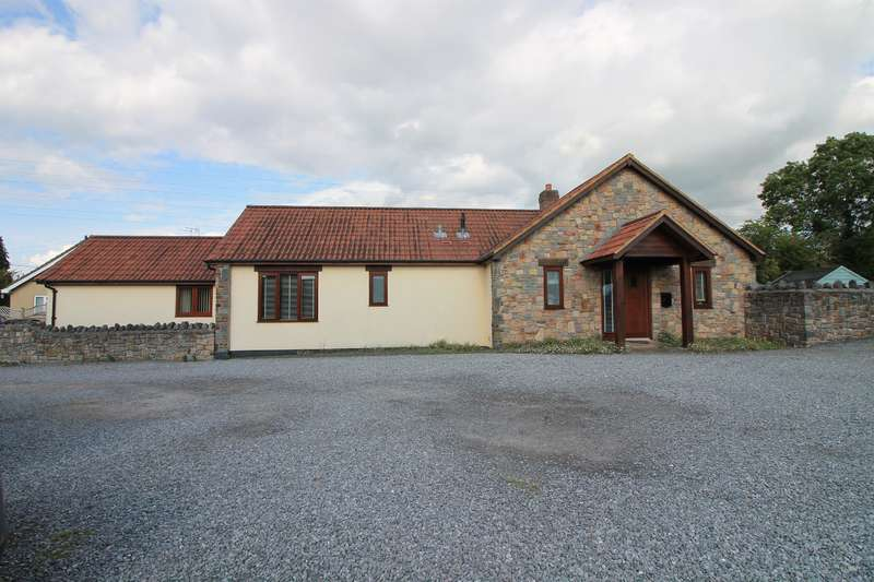 5 Bedrooms Detached Bungalow for sale in Main Road, Cleeve, North Somerset