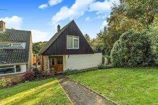 3 Bedrooms Detached House for sale in Monks Orchard, Wilmington, Dartford, Kent