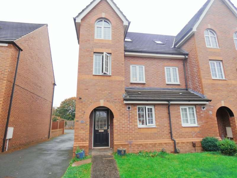 3 Bedrooms Terraced House for sale in Kennett Drive, Stockport, Greater Manchester, SK6