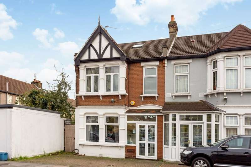 4 Bedrooms Property for sale in Hertford Road, Newbury Park, Ilford, IG2