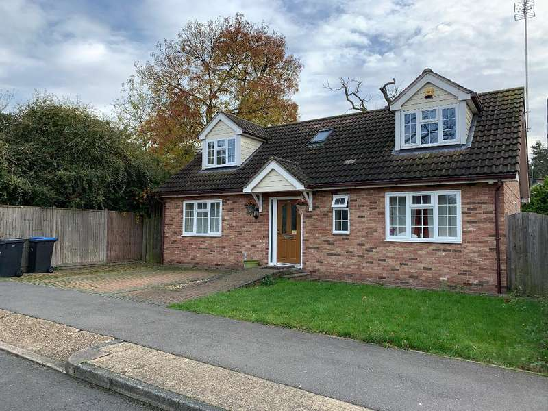 3 Bedrooms Detached House for sale in Brook Lane Field, Harlow, Essex, cm18 7at