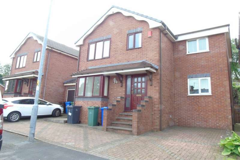 4 Bedrooms Detached House for sale in Forester Drive, Stalybridge, SK15
