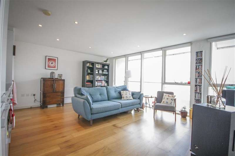 2 Bedrooms Flat for sale in Airpoint, Skypark Road, Bristol, BS3 3NQ