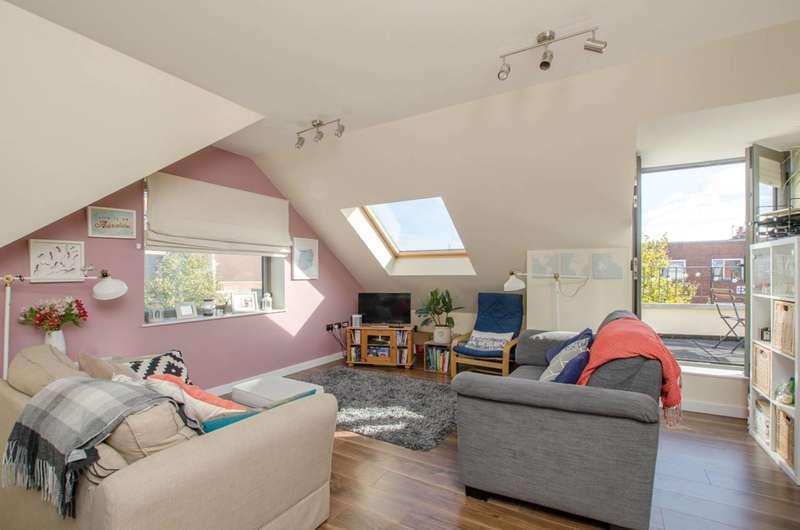2 Bedrooms Flat for rent in Ealing Road, Wembley, HA0