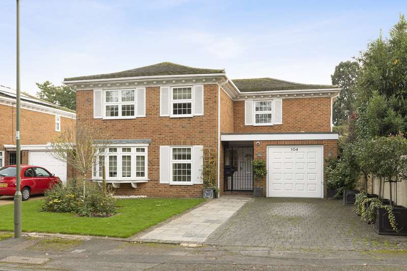 4 Bedrooms Detached House for sale in Molesey Park Road, East Molesey, KT8