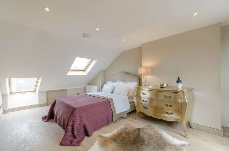 5 Bedrooms Terraced House for sale in Gironde Road, Fulham, SW6