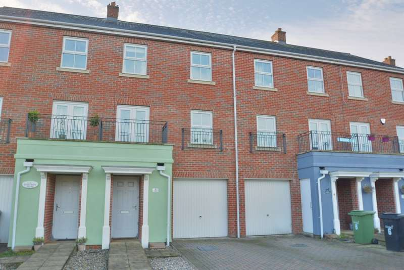 3 Bedrooms Town House for sale in Chaffinch Mews, Harleston