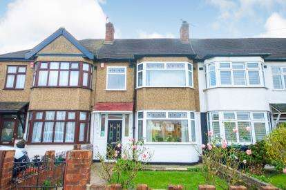 3 Bedrooms Terraced House for sale in Holmesdale, Waltham Cross, Hertfordshire