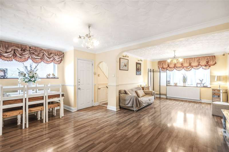 3 Bedrooms Semi Detached House for sale in Goshawk Gardens, Hayes, Middlesex, UB4