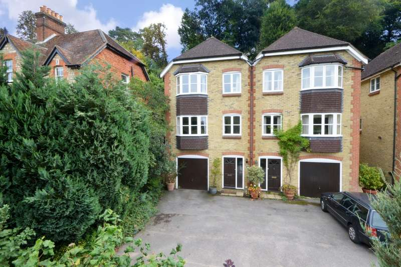 4 Bedrooms Semi Detached House for sale in Grove Road, Godalming, GU7