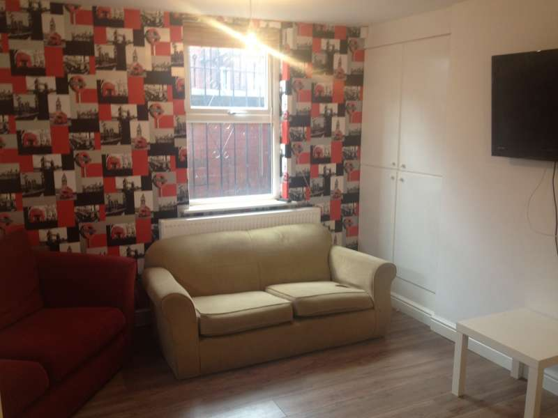 6 Bedrooms Property for rent in Ridgeway Terrace, Woodhouse, Leeds