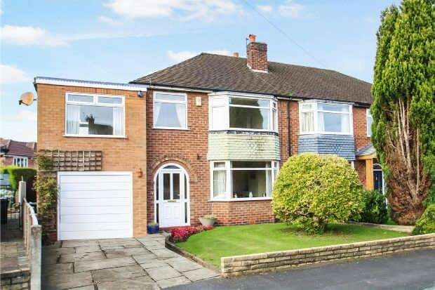 4 Bedrooms Semi Detached House for sale in Faulkner Drive, Timperley