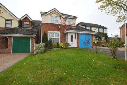 3 Bedrooms Detached House for sale in Buchanan Close, Sandringham Gardens, Northampton, Northamptonshire