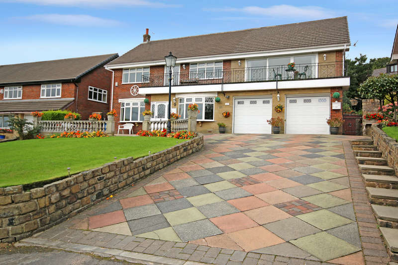 5 Bedrooms Detached House for sale in Lower Turf Lane, Scouthead, Saddleworth