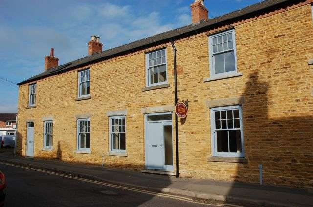 3 Bedrooms Semi Detached House for sale in High Street, Moulton, Northampton NN3 7SR