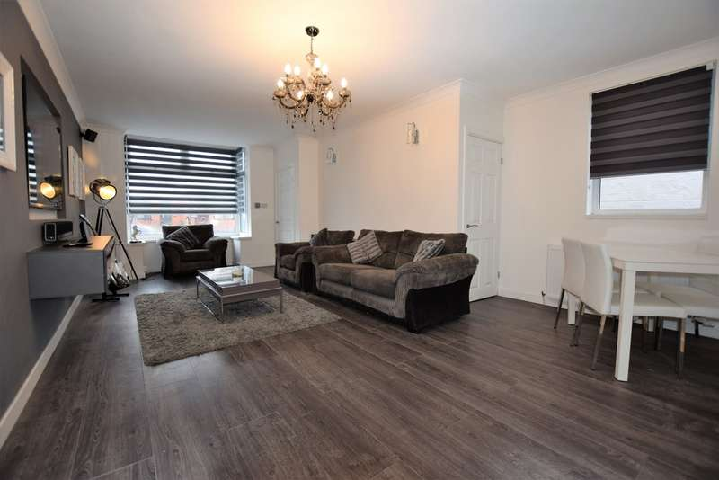 2 Bedrooms End Of Terrace House for sale in Stoke Avenue, Blackpool