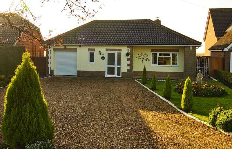 3 Bedrooms Bungalow for sale in Doddington Road, Benwick, PE15