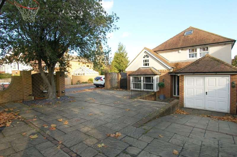5 Bedrooms Detached House for sale in HAMPTON